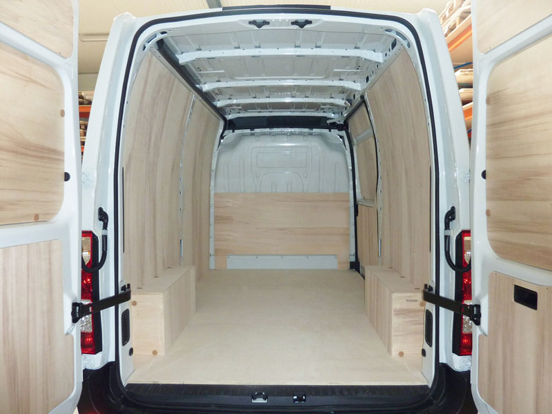 location camion mercedes sprinter 12m3 aux tarifs interessants louer une voiture de tourisme. Black Bedroom Furniture Sets. Home Design Ideas